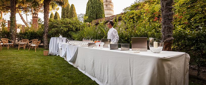 Una cena esclusiva nell'elegante giardino per i Laboratori Guidotti Spa
